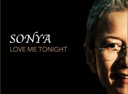"Sonya in radio con il nuovo singolo ""Love me tonight"""