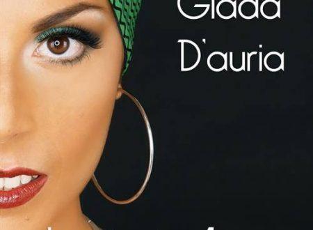 """""""Sola si sta bene"""", in radio il nuovo singolo di Giada D' Auria"""